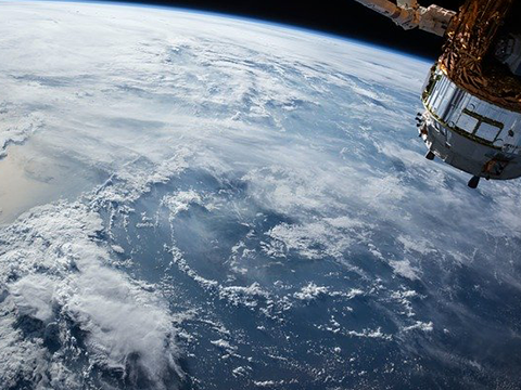 satellite-1030779_640 (1)